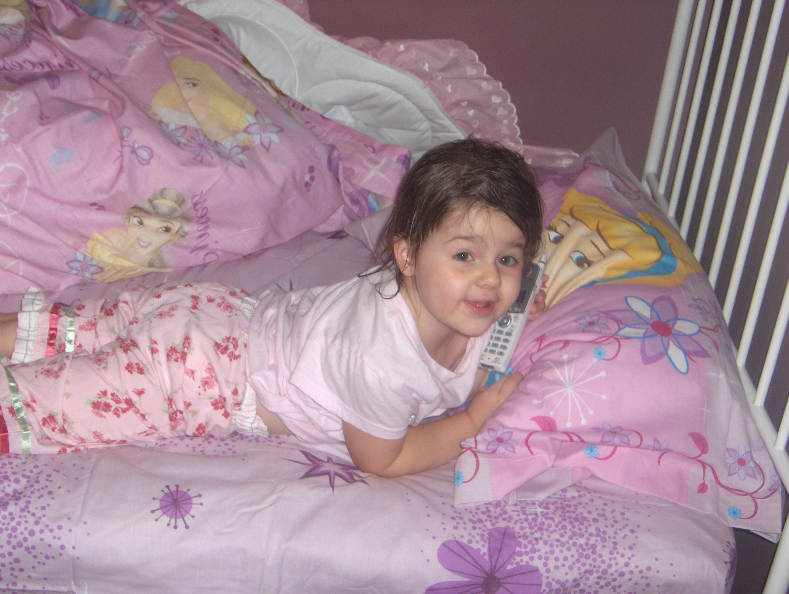 little girl in bed images   usseek com. girl in bed images   usseek com